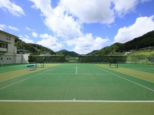 【施設】屋外テニスコート(オムニコート3面)