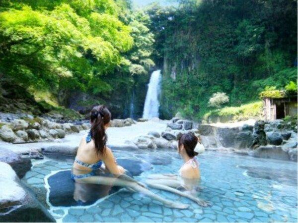 *マイナスイオンたっぷりの大滝温泉を眺める極上の時間