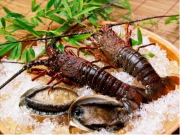 *伊勢海老とアワビ-高級食材を生かした料理