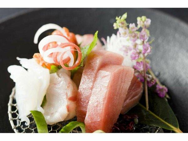 ≪夕食一例≫魚介は伊豆で揚がるものを季節に合わせてお出し致しております