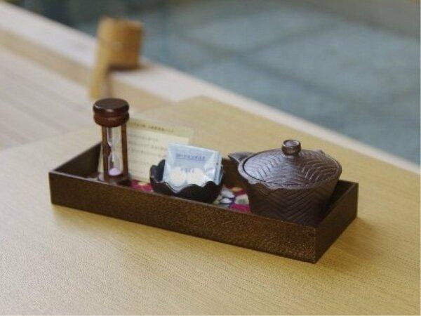 女性のお客様限定サービス。峰温泉の源泉を使った源泉パックをお部屋にご用意させていただきます。