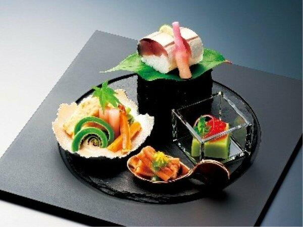 お料理は月替りで変わるため、ご来館いただく度に新しい味がお愉しみいただけます。