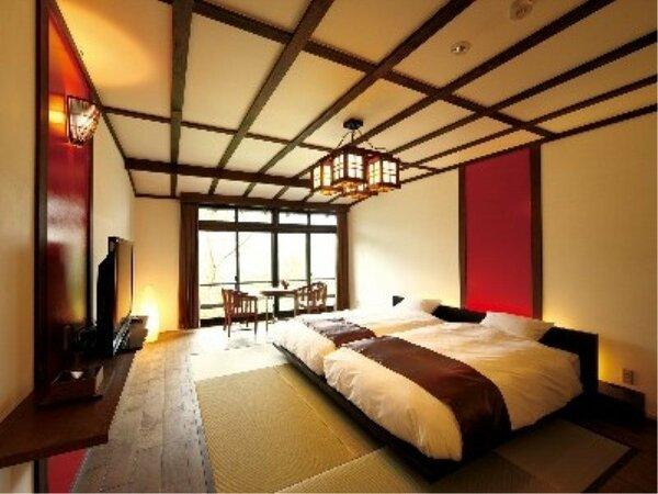 2階ツイン(洋室)、赤い壁が印象的な、アジアンテイストのお部屋で、窓からは庭園が一望いただけますか。