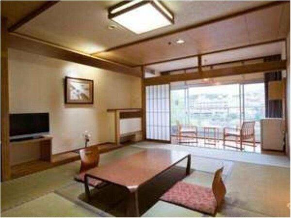 【客室】西館客室一例。日々の疲れを忘れ、ゆるりとお寛ぎくださいませ。