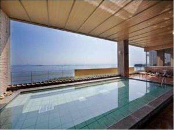 【琵琶湖一望!大浴場】・伊吹の湯・三上の湯。対岸の近江富士から昇る日の出は絶景です!