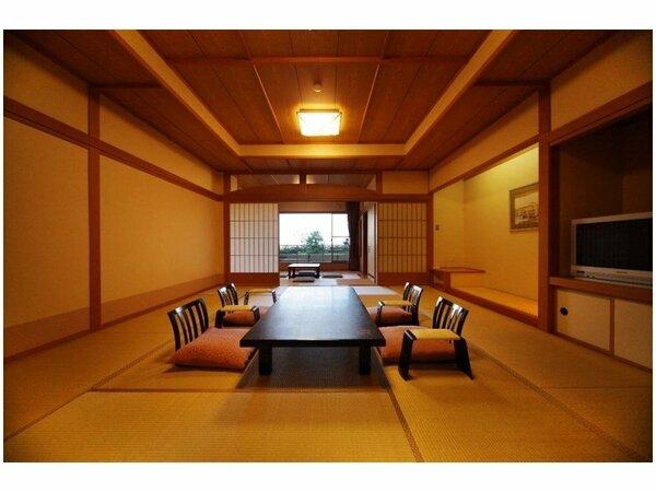 【萬葉】純和風な造りで、15畳と6畳の2間。琵琶湖の景色も綺麗で、静かなひと時をすごせます。