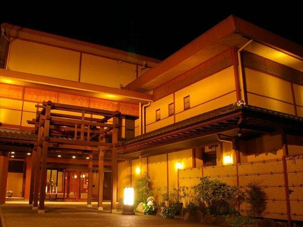 【外観】滋賀の美味しいお食事と、1200年の歴史がある雄琴温泉の名湯が愉しめます。