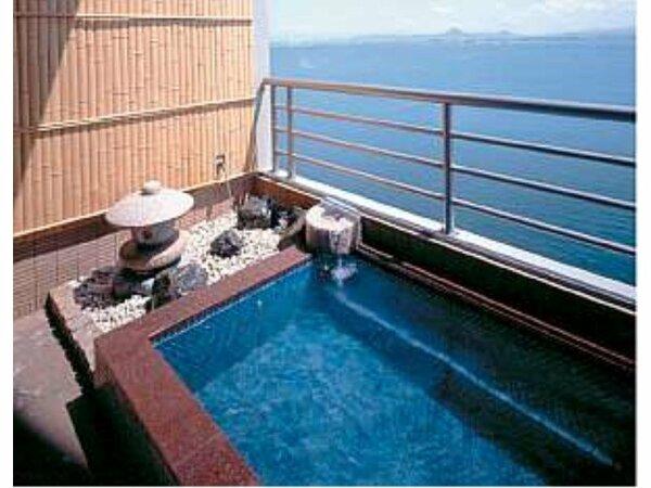 琵琶湖が展望できる客室露天風呂(一例)