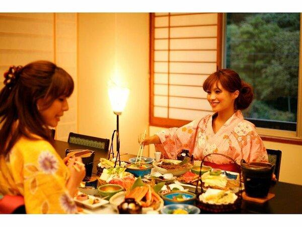 お食事は椅子・テーブル式の和風ダイニングでゆったりとお召し上がり下さい。