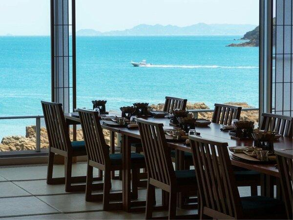 瀬戸内海を近く感じるお食事場所でごゆっくりと美食をお楽しみ下さいませ。