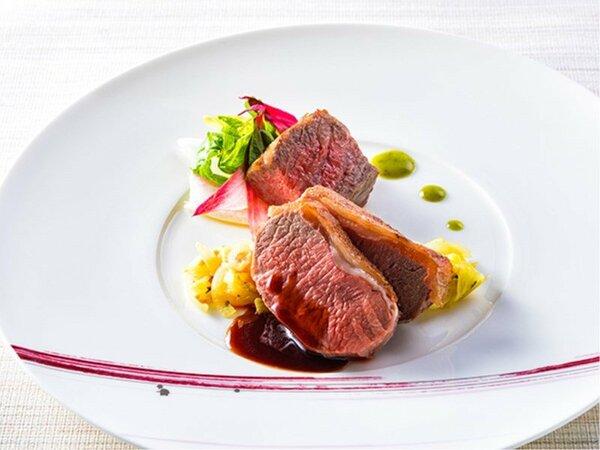 【ZEN・2020年春】メインは子羊ロースのわら焼きと十勝牛サーロインのソテーです。(変更の場合あり)
