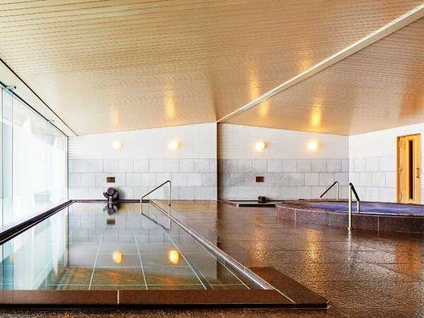 ■大浴場(スパ):内湯の他、ジャグジー、サウナー、露天風呂のご利用が可能です。