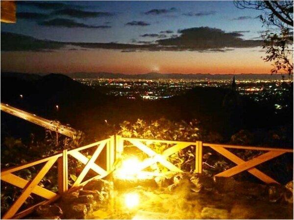 天気がいいと名古屋エリアの夜景も楽しめます。