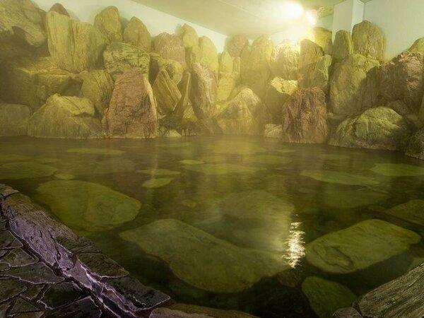 北陸屈指の大巨石風呂
