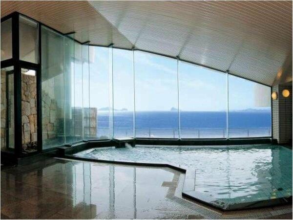 天然温泉展望大浴場『千賀の湯』:目の前には伊勢湾が広がり、知多の島々が望めます。※男女入れ替えあり