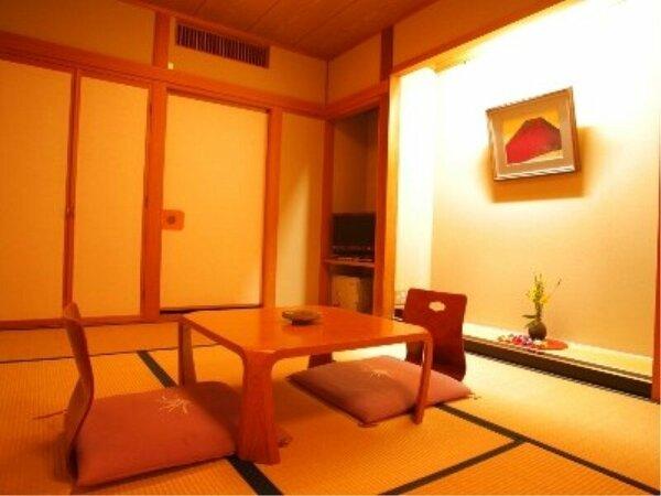 【草月亭】やや狭いお部屋ですが、手入れも行き届いたキレイなお部屋とご好評を頂いております。