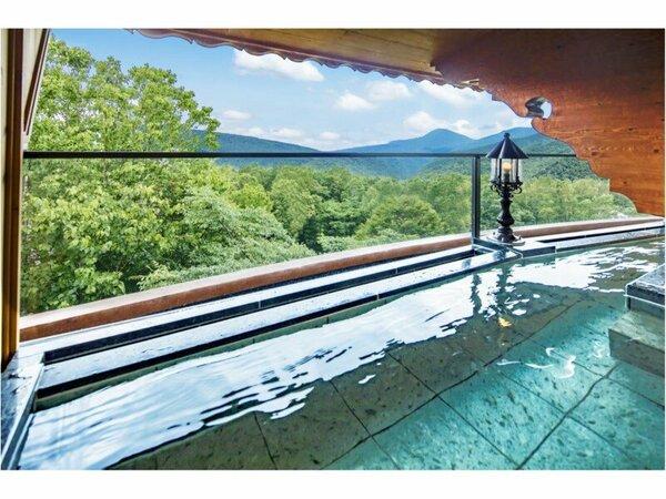 奥志賀高原の大自然に浸る「空中露天風呂」