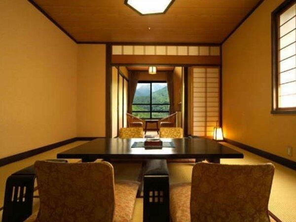 【東館】和室9畳~10畳+広縁。当館スタンダードな和室タイプのお部屋です。