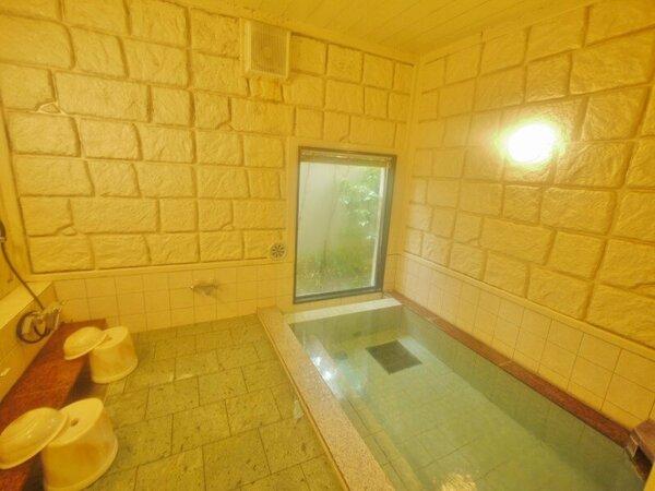 男女別ラジウム人工温泉大浴場「旅人の湯」 入浴条時間 15:00から2:00、5:00から10:00