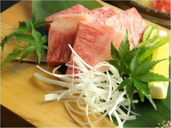 【飛騨牛料理指定店】ならではのさしが程よくはいった飛騨牛のお肉。お口の中でとろける旨さ♪
