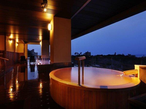 展望檜風呂【熱の湯】桶の形の露天風呂(女湯)2012年4月1日オープン
