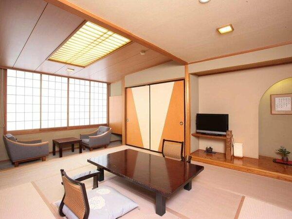 本館にある基本的な和室10畳のお部屋。一部のお部屋は湯畑を見下ろせるお部屋となっております。