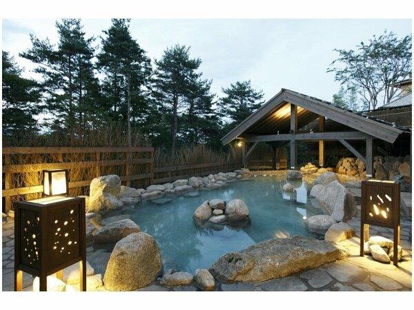 【季の湯】開放感のある大浴場