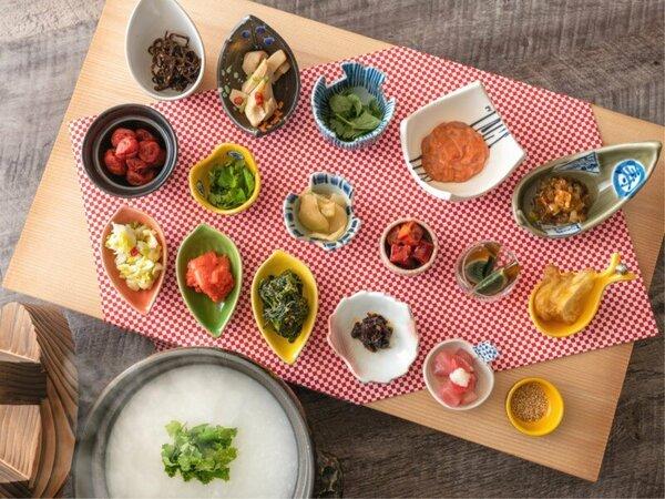【朝食バイキング】朝粥に各種香の物、箸休めでさらりと♪ ※イメージ