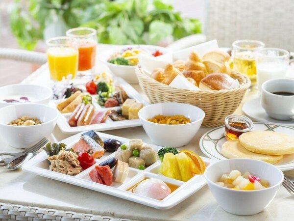 【朝食バイキング】草津近郊の食材を中心に、多彩なメニュー約40種類をご用意♪