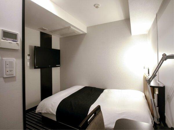 セミダブルルーム(広さ11平米 / ベッド幅120cm~×1台)