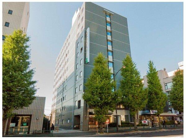 東京メトロ・南阿佐ヶ谷駅より徒歩2分。杉並消防署の正面がホテルです。