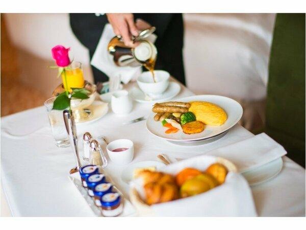 ■朝食■ルームサービスのアメリカンブレックファスト(イメージ)