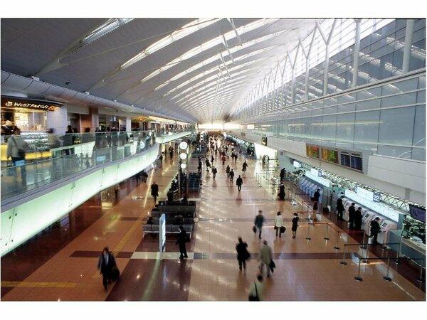 羽田エクセルホテル東急は羽田空港第二ターミナルビル出発ロビーに直結しています(イメージ)