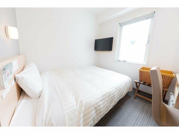 ◆ダブルベッド◆禁煙 幅140~150cmのワイドベッドで大の字になっておくつろぎ頂けます!