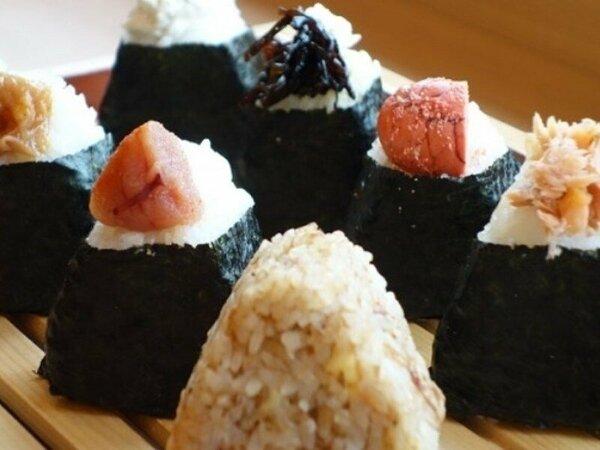 ◆おにぎり 色々な味の手作りおにぎりをご用意☆