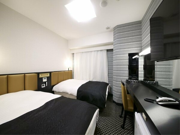 ツインルーム 最上階 ライトフロア(広さ15平米/ベッド幅122cm×2台)