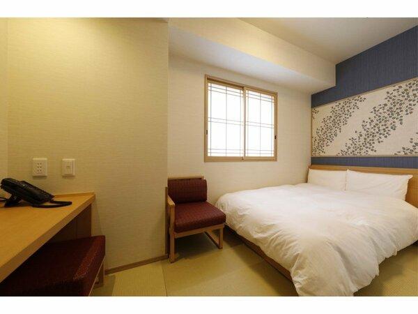 ◆ダブルルーム(15平米)客室は畳敷きにてご用意サータ社製ベッド(140cm×195cm)