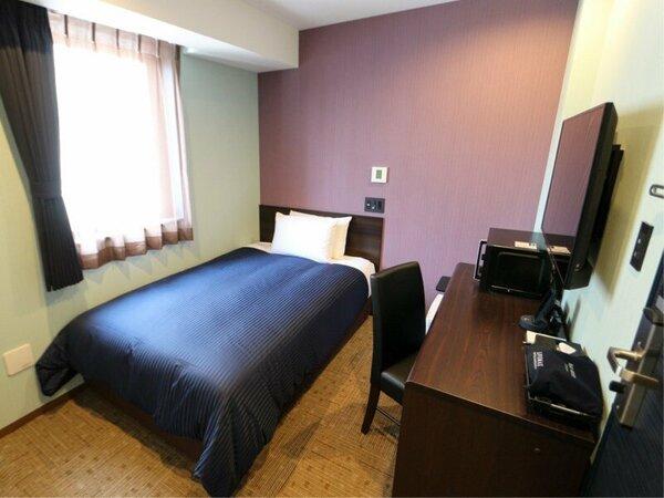 ◆シングルルーム◆全室4K対応テレビ・シモンズ製ベッドを導入しております。