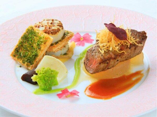 牛フィレ肉と帆立貝のポワレミルフィーユ仕立て  ※一例