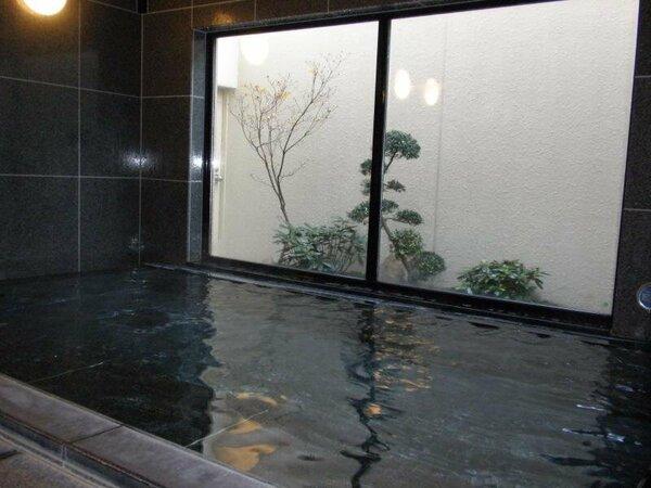 大浴場を完備しております。利用時間:PM17:00-AM0:00 AM5:00-AM9:00