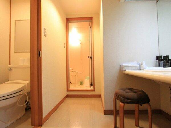客室内のバス・トイレ・洗面はそれぞれ独立タイプとなっていて、使い勝手の良さが好評です