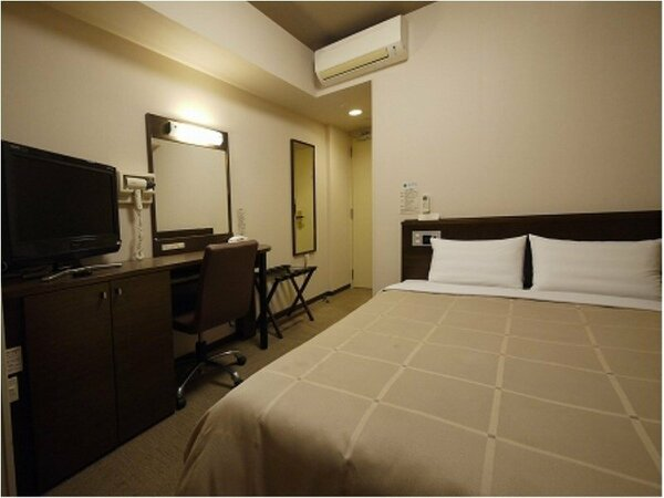 セミダブルルーム:無料Wi-Fi、加湿機能付空気清浄器、液晶TV完備!