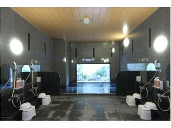 男女別ラジウム人工温泉大浴場「旅人の湯」 入浴時間15:00から2:00、5:00から10:00
