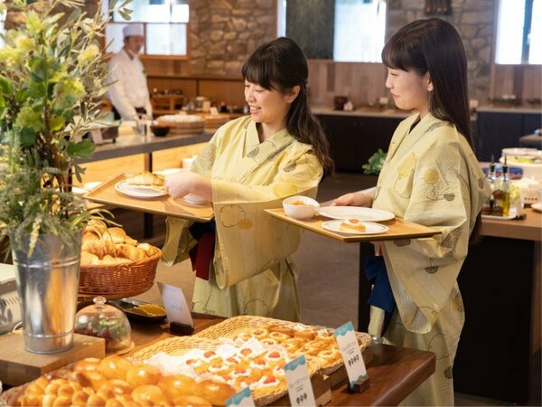 フルーツデニッシュやクロワッサンは毎朝焼きたてをお届け♪ご朝食ブッフェ(バイキング)