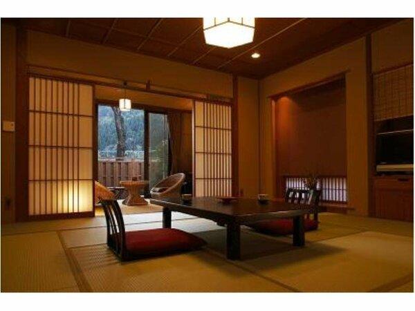 12.5畳の広さが自慢の「さくら」の和室