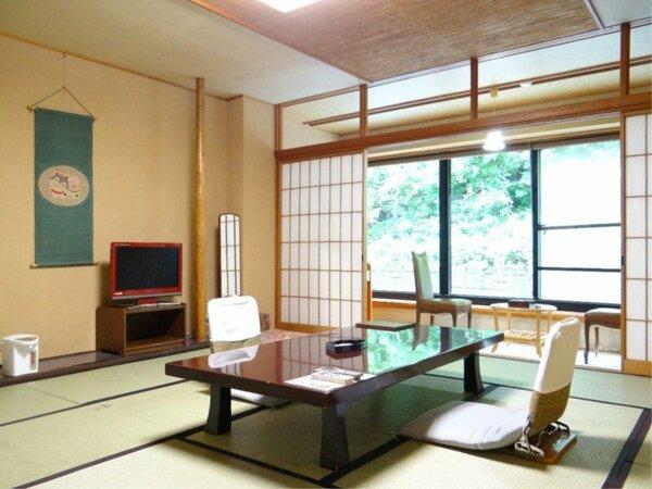 東館山側和室一例