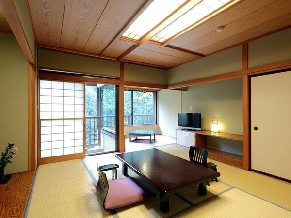 小さなテラスのある客室