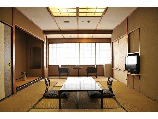 【瑞泉楼】和室12畳の広々とした庭園・川側向きのお部屋です。
