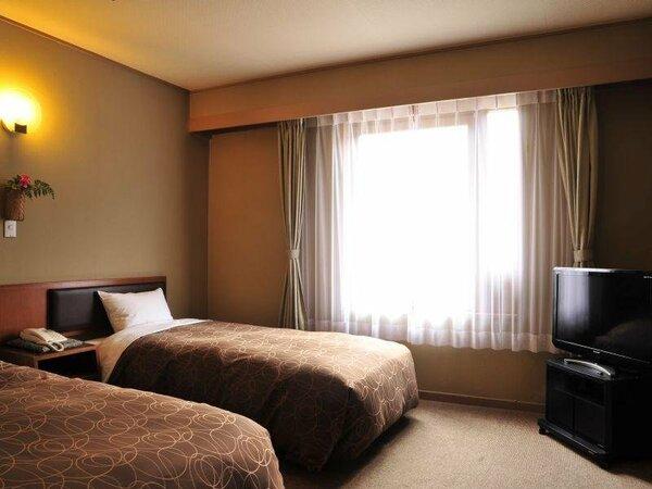【瑞雲楼】国道・山側の洋室ツインルーム。リーズナブルに宿泊したいカップルや一人旅におすすめです。
