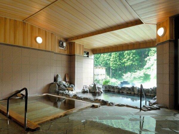 檜の温もりに加えて温泉は100パーセントの天然温泉です